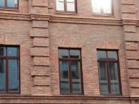 Элементы облицовки здания в районе Цветного Бульвара (Москва)